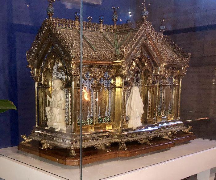 La châsse reliquaire de sainte Bernadette