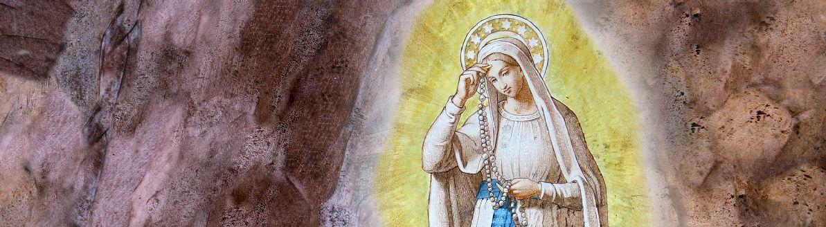 Détail d'un vitrail de la basilique de l'Immaculée Conception à Lourdes