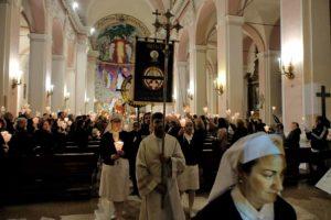 santa-bernadette-spoglie-chiesa-della-marina-11