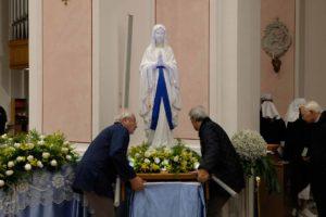 santa-bernadette-spoglie-chiesa-della-marina-3
