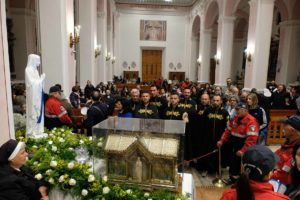 santa-bernadette-spoglie-chiesa-della-marina-32