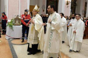santa-bernadette-spoglie-chiesa-della-marina-6