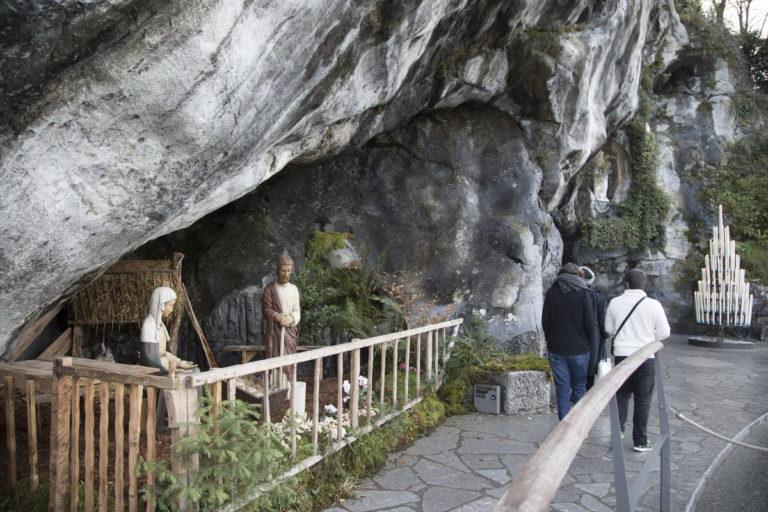 An der Grotte